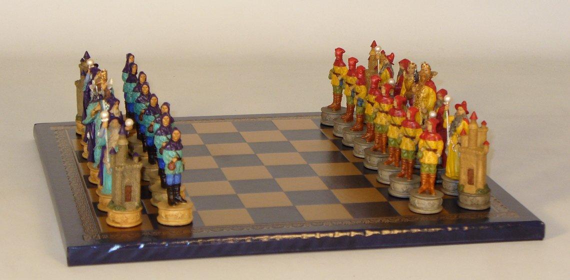 Sorcerer Resin Men On Gold Blue Board Chess Sets Resin